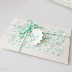 Schoenherum Letterpresspapier mintgruen Gutscheinverpackung