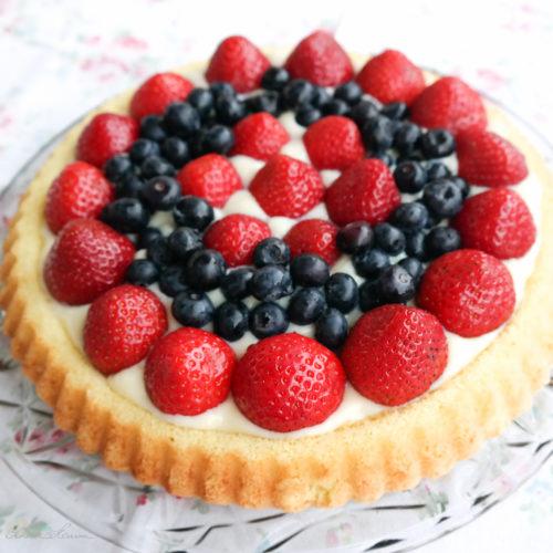 Erdbeer-Heidelbeer-Torte mit Pudding. Gebacken mit SchönHerum.