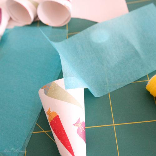 Seidenpapier festkleben