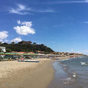 Der Strand von Castiglione della Pescaia in Italien. Unterwegs mit SchönHerum.