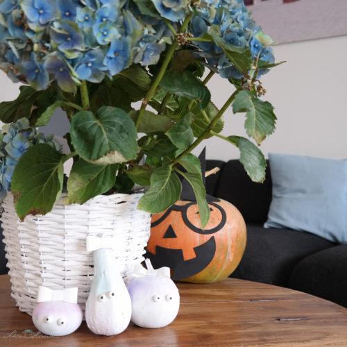 Zierliche Kürbisse in Gefahr Halloween naht