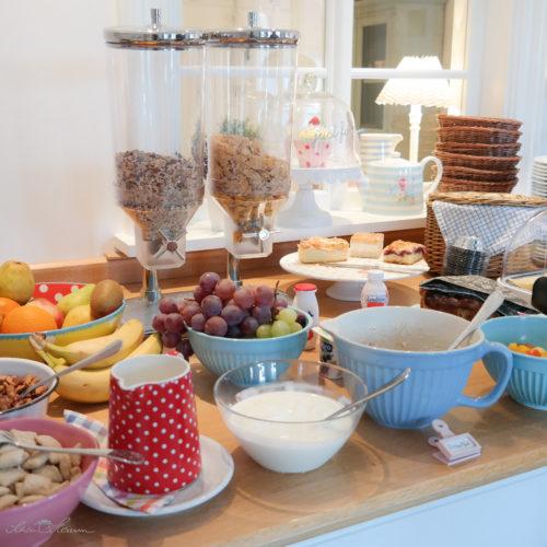 Frühstück im Belle Maison Hotel