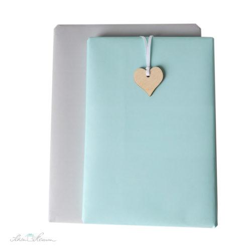Geschenkpapier, klassisch, edel, einfarbig, mimt und grau, Herzanhänger