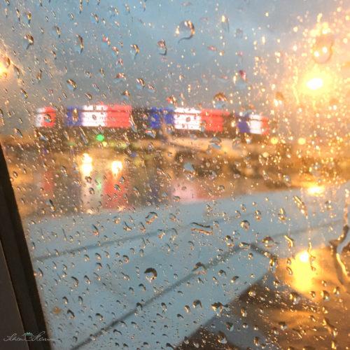 Paris Flughafen bei Regen